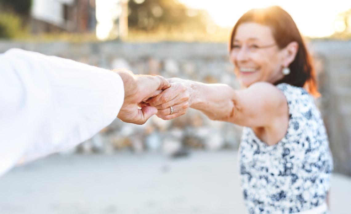 פתרונות ביטוחיים לגיל השלישי - סוכן ביטוח חיים טד בר
